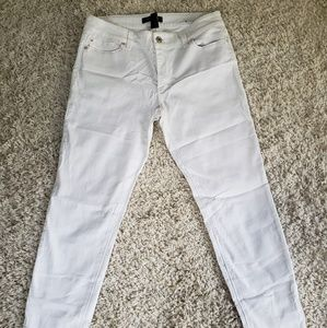 Black and white market white jeans